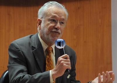 Jornalista Alexandre Garcia fala sobre a PEC 37