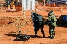 Antibomba1-04072011WD0162