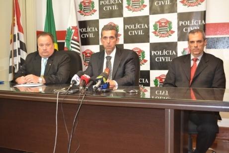 Os delegados Arlindo José Negrão Vaz, Marcelo Bianchi e Luiz Fernando Lopes Teixeira